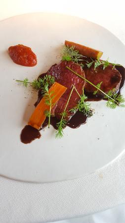 Dolegna del Collio, Ιταλία: Hirschfilet und gebratene Karotten