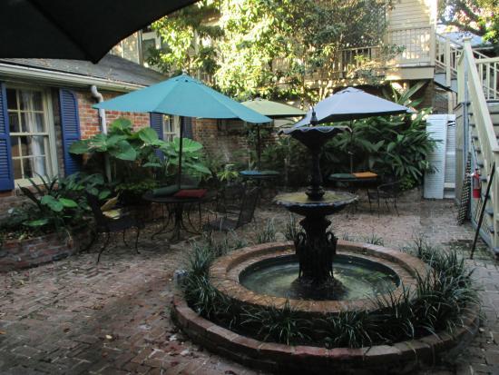 Andrew Jackson Hotel: Hotel courtyard.