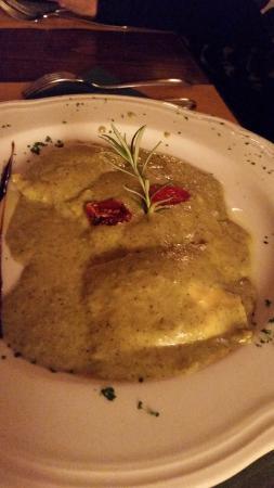 Montagnana Val di Pesa, Włochy: ravioli crema di pistacchi
