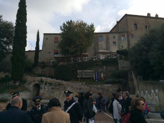San Giovanni d'Asso, Włochy: castello