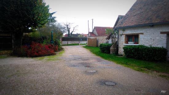 Bois-Jerome-Saint-Ouen, França: 18