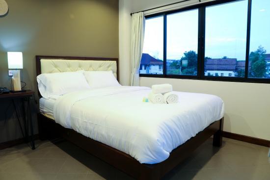 Sabai Hotel and Hostel