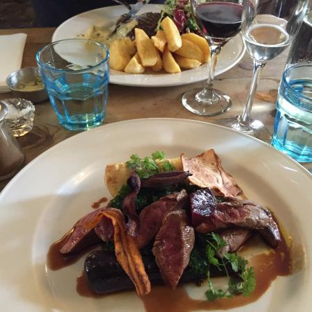 Tillington, UK: Venision and beetroot main course