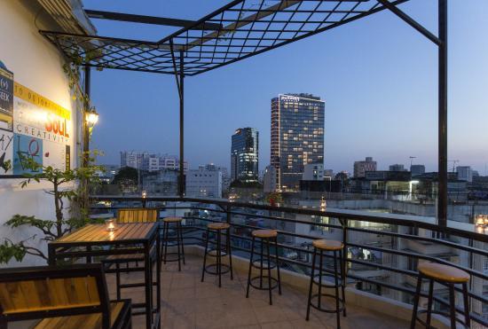 Meraki Hotel: Rooftop Restaurant
