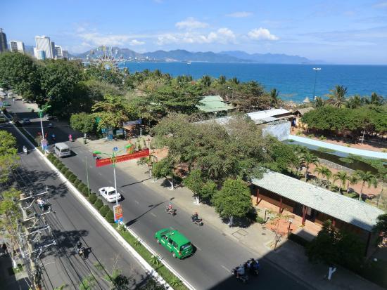 Viet Ha Hotel : вид с балкона номера