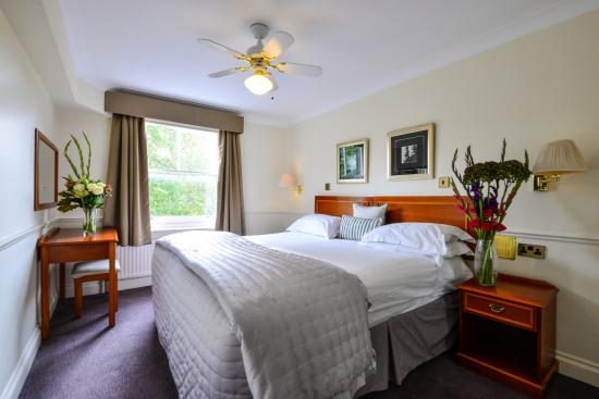Collingham Serviced Apartments: Bedroom