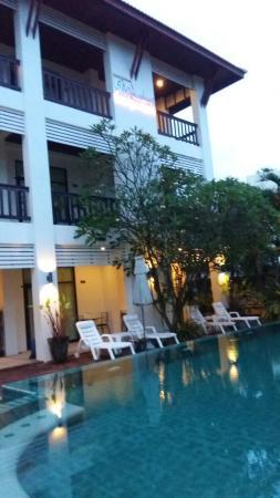 Monaburi Boutique Resort: 20151112_181258_large.jpg