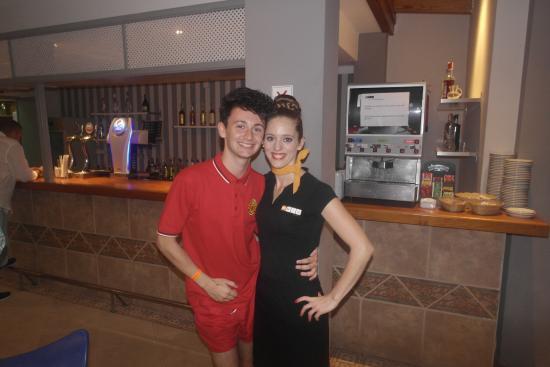 S'illot, Spanyol: Lovely Bar Staff.