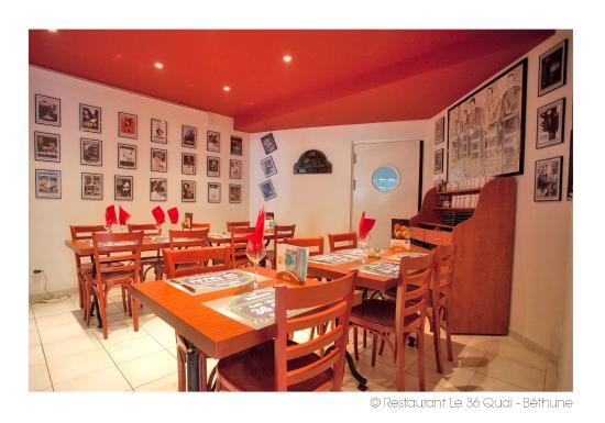 la salle des copains 14 pers picture of le 36 quai. Black Bedroom Furniture Sets. Home Design Ideas