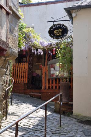 sur le quai du port bar et restaurant photo de port de. Black Bedroom Furniture Sets. Home Design Ideas