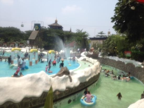 Snowbay Waterpark Jakarta Indonesia Review