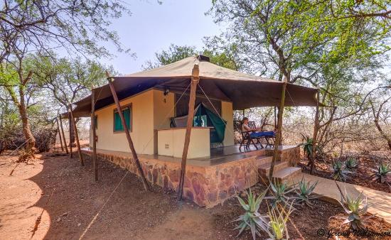 White Elephant Safari Lodge: Outside of Luxury tent