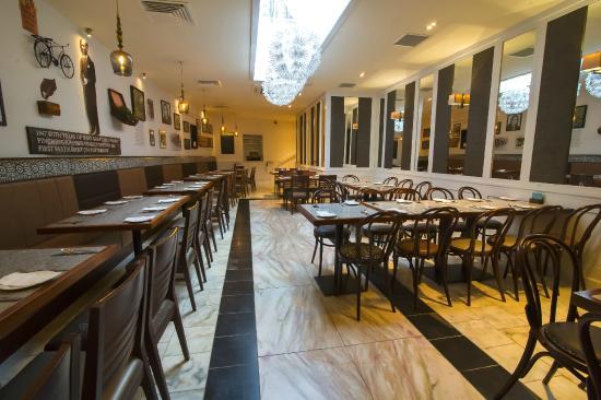 Khushi's Antigua Street: Khushi's Inside