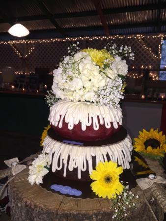 Nothing Bundt Cakes What An Amazing Wedding Cake