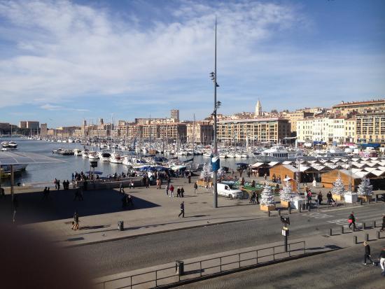 Le vieux port vu de ma chambre bild fr n grand hotel - Hotel formule 1 marseille vieux port ...