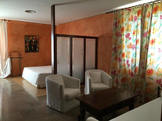 Avinyonet de Puigventos, Spagna: Habitación Suite