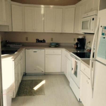 BillowHouse: Full Kitchen of Ocean Park Suite