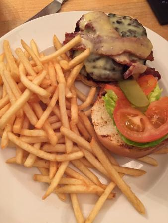The Fountain: Cheese, bacon burger with skinny fris