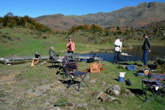 Castex, Francia: Picnic lunch with barbeque (near Col D'Agnes)
