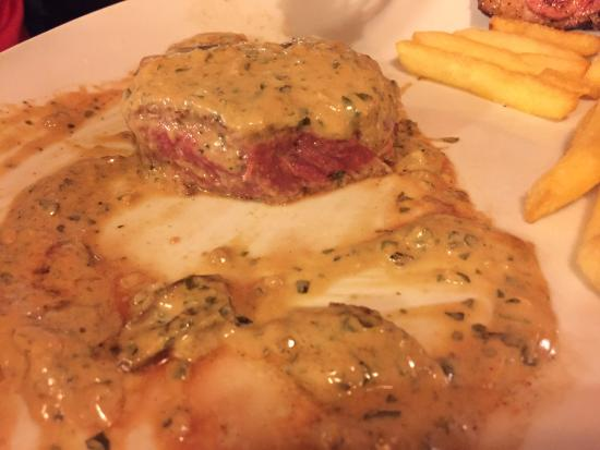 Saint Andre Les Alpes, Frankrig: Steak cooked rare