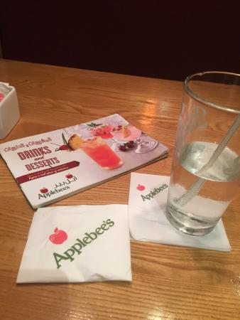 Apple Bee Picture