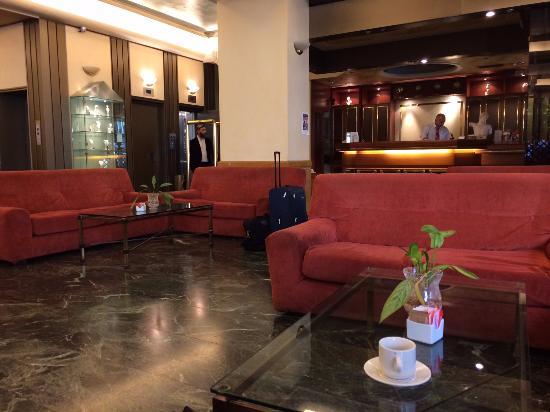 Savoy Hotel: Hotel Lobby