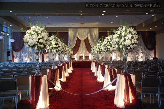 Elegant Wedding Ceremony Floral Aisle Decor In The Westin Lombard
