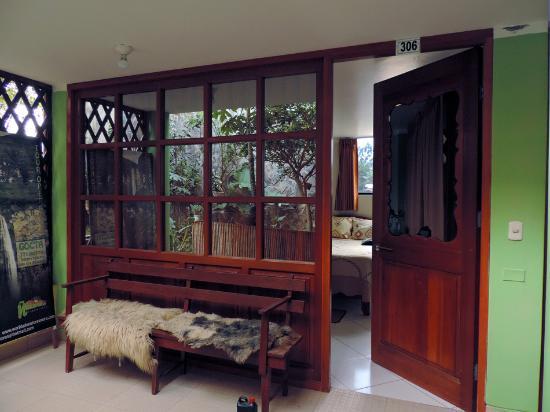 Hostal Nunurco Travellers: room from the outside