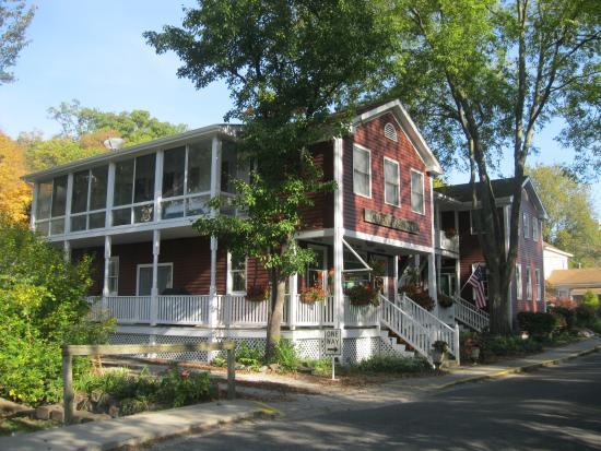 Elsah, IL: Green Tree Inn