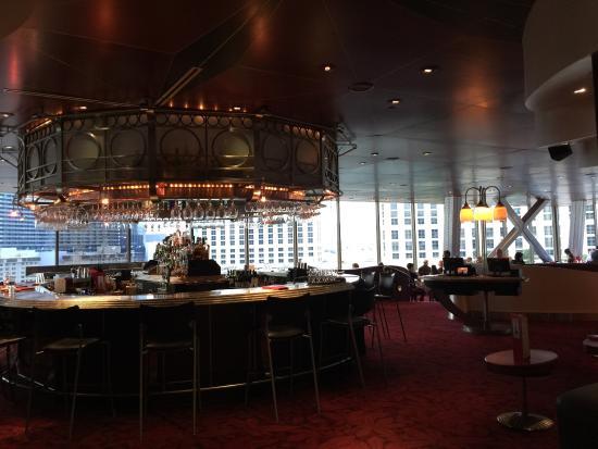 restaurant picture of eiffel tower restaurant at paris