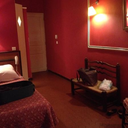 Hotel Central: Chambre Rouge