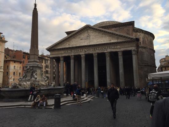 Tombe famose foto di pantheon roma tripadvisor for Esterno pantheon
