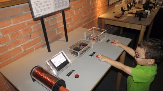 Interurban Railway Musuem : one of the demos teaching electricity