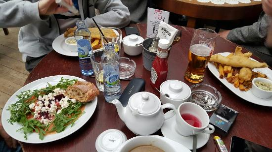 Magnes Restaurant Grill & Lounge