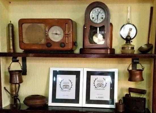 Hotel Laguna: Rustic details with TripAdvisor awards