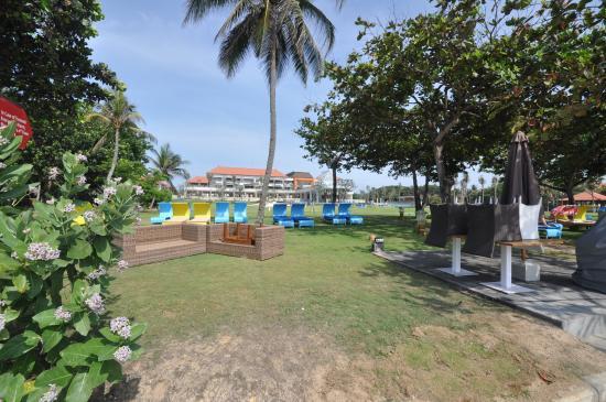 grounds picture of inaya putri bali resort nusa dua. Black Bedroom Furniture Sets. Home Design Ideas