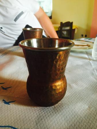 Karterádhos, Yunani: Unusual cups