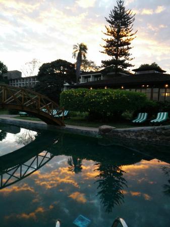 Lake Manyara Hotel : Beautiful sunset at the pool side.