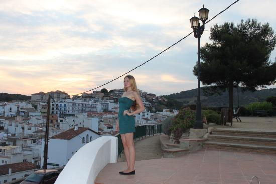 Sant Pol de Mar, Spain: Лестница к церкви