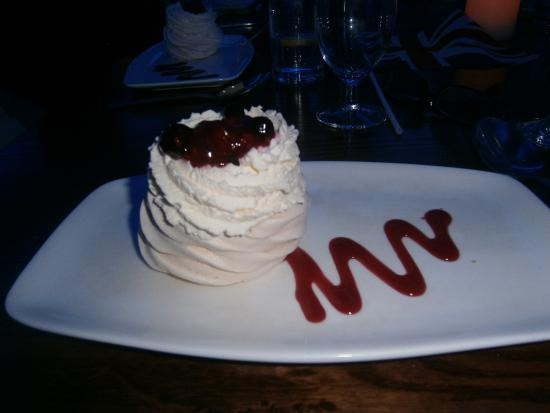 Clifton Park Hotel: ummm one of the lovely deserts .