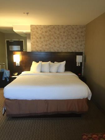 hilton garden inn providence airport king bed picture of hilton garden inn providence