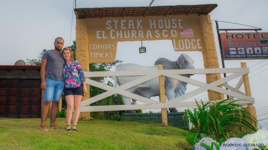 Poasito, Costa Rica: El famoso y descriptivo rotulo del lugar