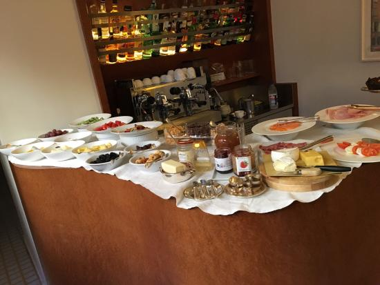 Petronilla Hotel : part of the breakfast offering