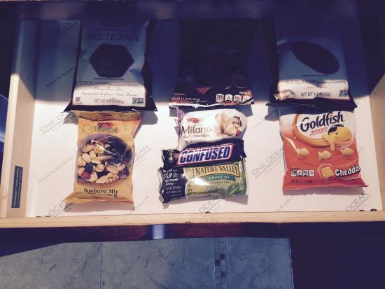 One Ocean Resort & Spa: Complementary snacks in room