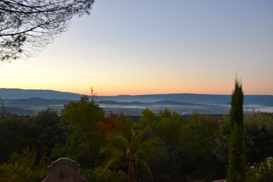 Luberon, Γαλλία: sun rise in november