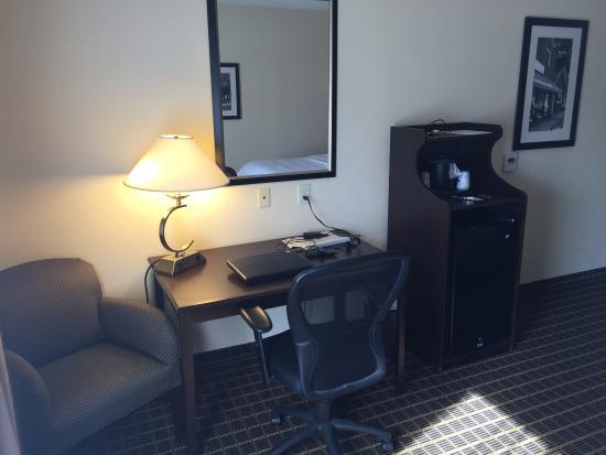 Hampton Inn Statesville: Desk