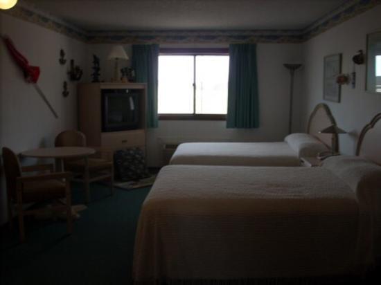 Bloomer Inn & Suites