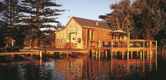 Birks Harbour - Boathouse & Birks River Retreats: Boathouse Retreat