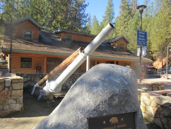 Downieville, Califórnia: Mining Exhibit, Rest Stop, Tahoe National Forest, California