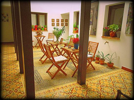 Hospederia Alma Andalusi: El hermoso patio central